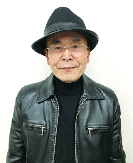 新家浩三先生(国語担当)